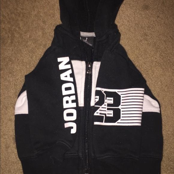 ef46ea7a4b94 Baby Nike Jordan Sweat Suit. M 5b1c923ad6dc52f6f7f7c187